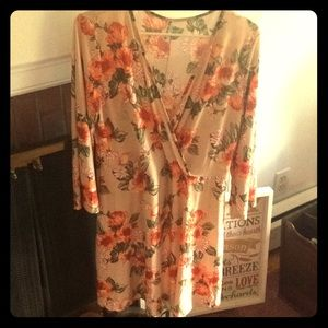 Dresses & Skirts - Faux Wrap Dress Floral 2x New Stretchy